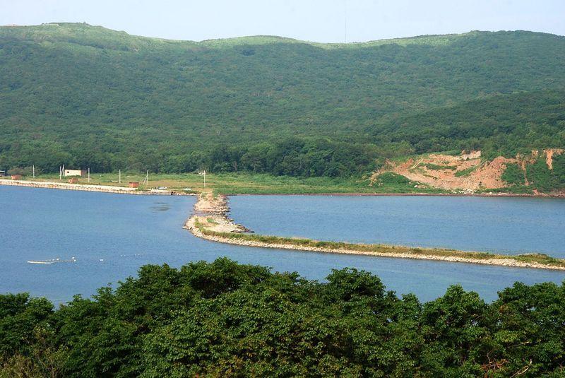 Бухта Иванцова на острове Русский
