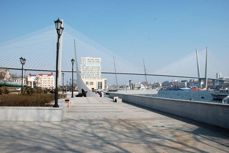 Памятный знак на месте высадки основателей поста Владивосток