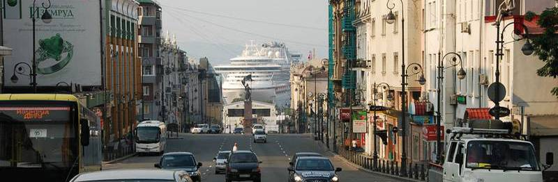 """""""Пробки"""" с участием круизных судов? - Обычное дело во Владивостоке."""
