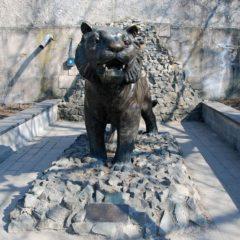 Памятник тигру