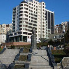 Памятник вице-адмиралу Степану Макарову